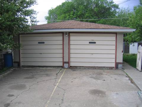 Edmonton Garage Space for rent, click for more details...