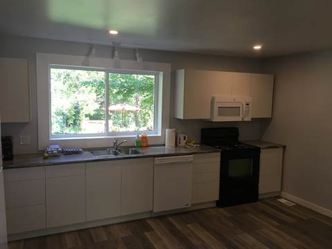 Kingston House for rent, click for more details...