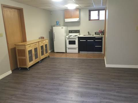 Edmonton Alberta Basement Suite for rent, click for details...