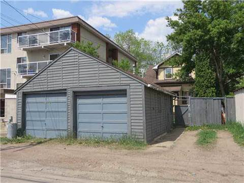 Edmonton Alberta Garage Space for rent, click for details...