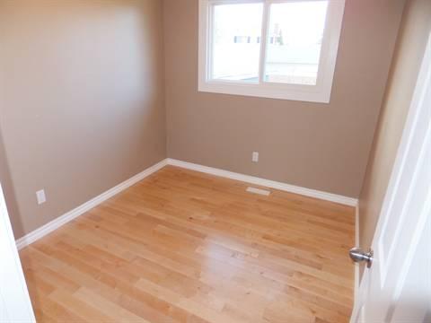 Edmonton Maison. Bedroom