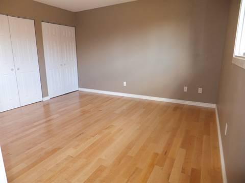 Edmonton Maison. Master Bedroom