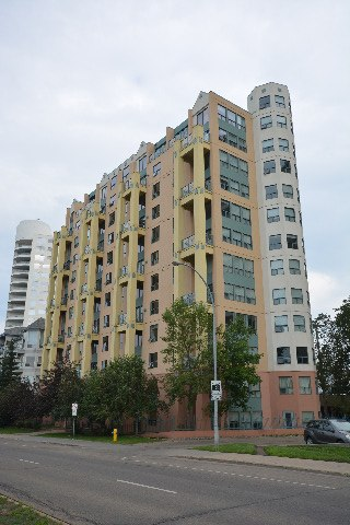 Edmonton Flat for rent, click for more details...