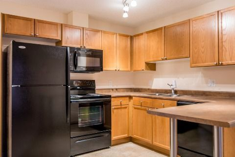 Edmonton West 1 bedroom Condominium For Rent