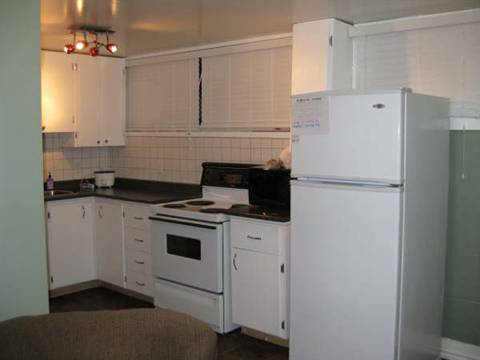 Edmonton South West 1 bedroom Room For Rent