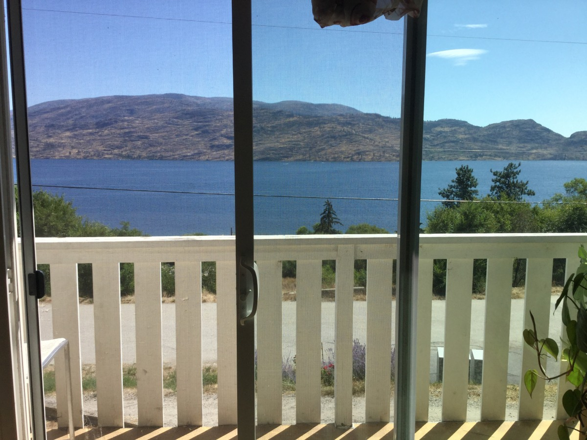 Peachland Duplex for rent, click for more details...