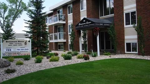 Edmonton West Apartment For Rent