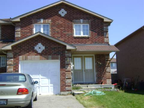 Barrie Townhouse for rent, click for more details...
