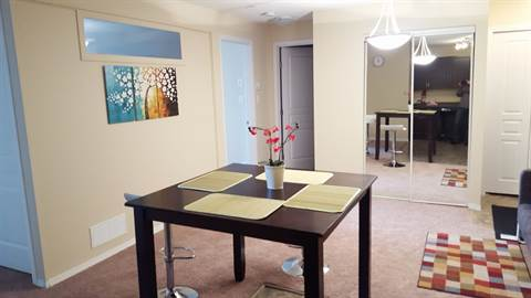 Edmonton Room and Board for rent, click for more details...