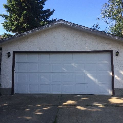 Sherwood Park Garage Space for rent, click for more details...