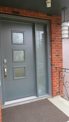 Edmonton House. Atractive  and Secure Front Door