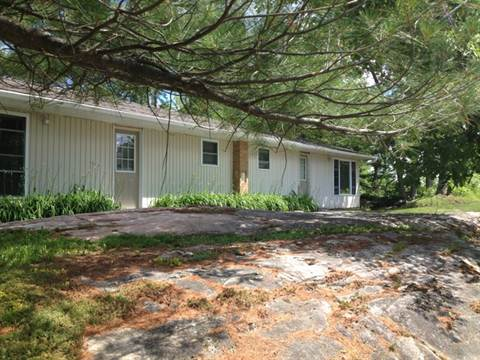 Washago Apartment for rent, click for more details...