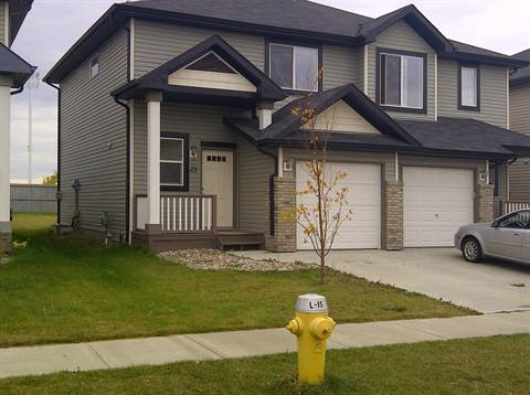 Fort Saskatchewan 3 bedroom Duplex