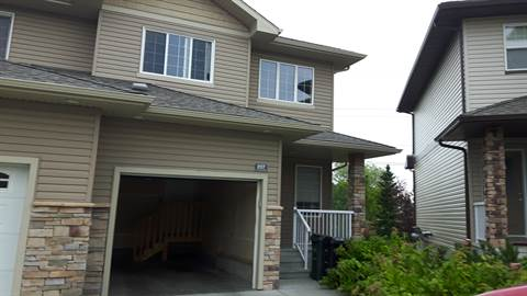 Sherwood Park Alberta Townhouse for rent, click for details...