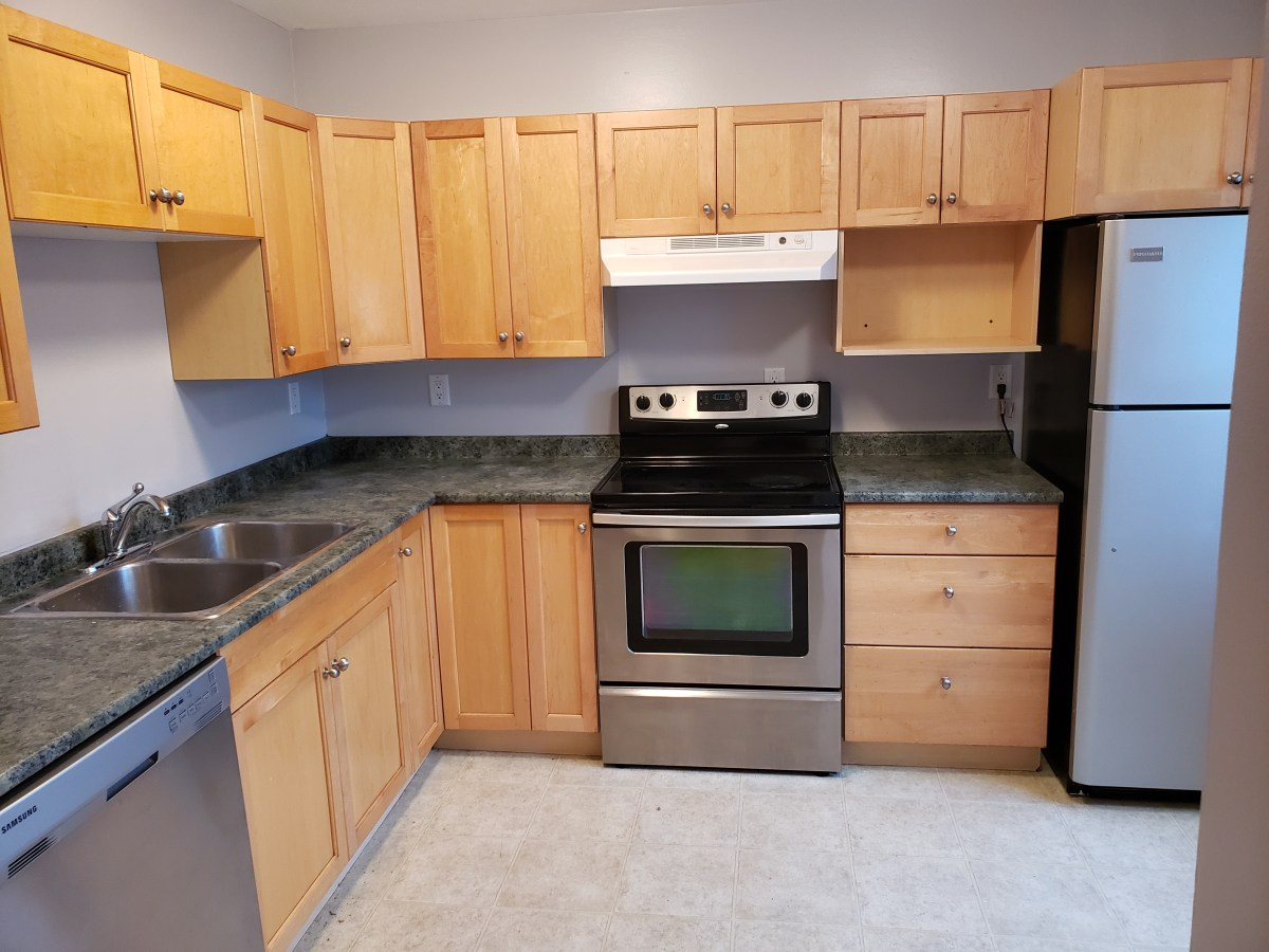 Sherwood Park Townhouse for rent, click for more details...