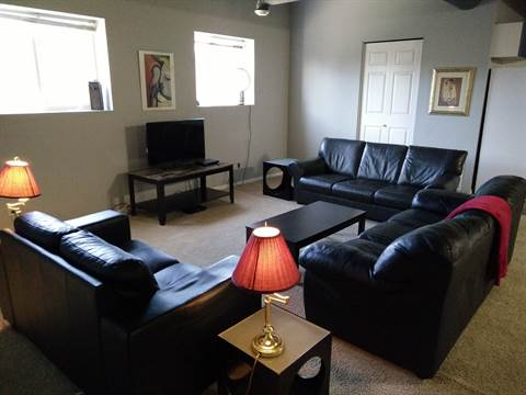 Fort Saskatchewan Loft for rent, click for more details...