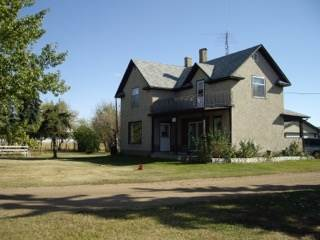 Daysland Acreage/Farm for rent, click for more details...