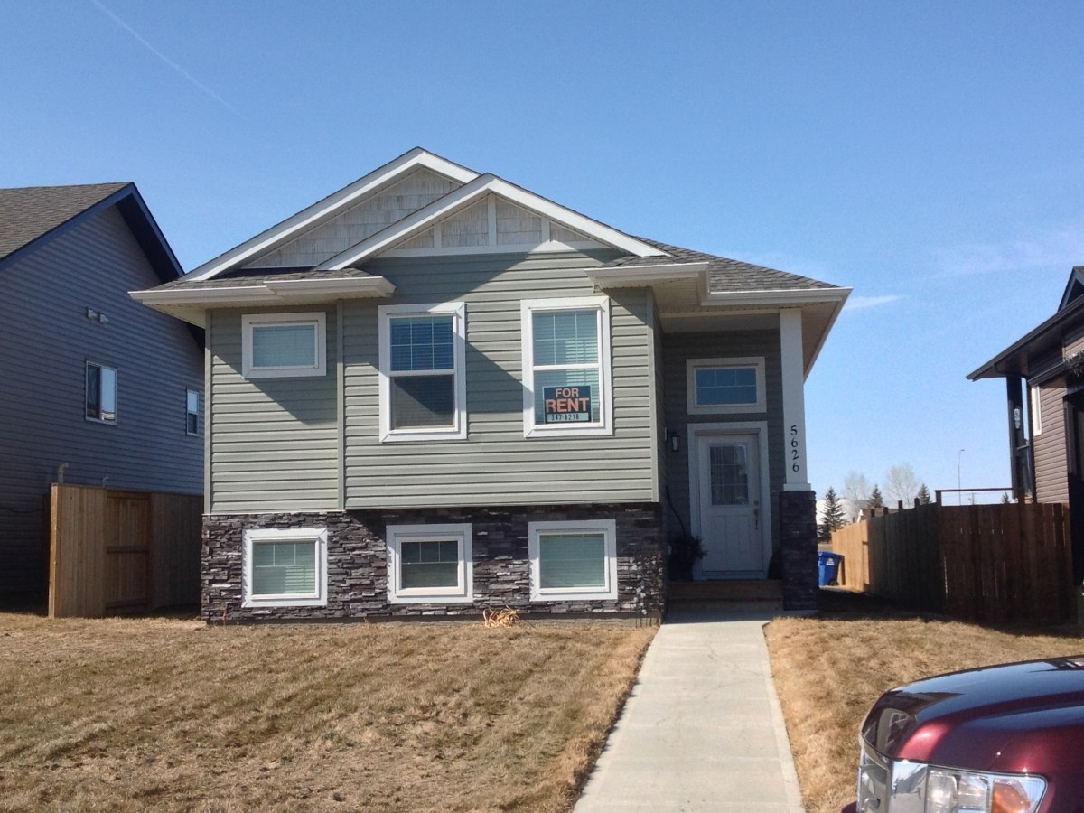 Blackfalds Alberta House For Rent