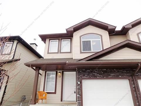 Stony Plain Duplex pour le loyer, cliquer pour plus de détails...