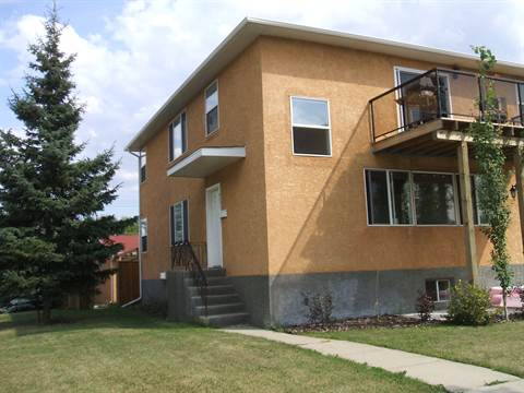 Edmonton Triplex for rent, click for more details...
