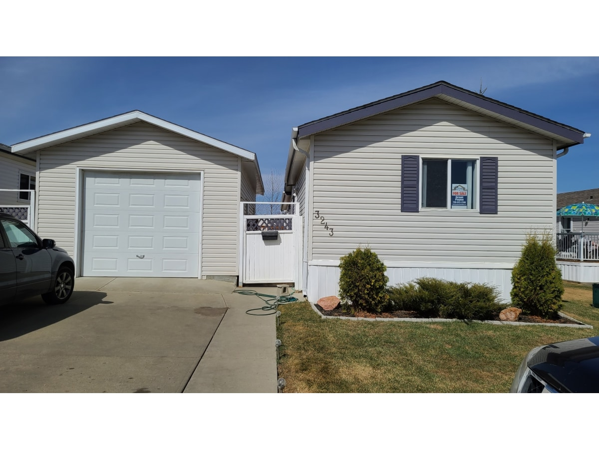 Edmonton Mobile Home/Lot for rent, click for more details...
