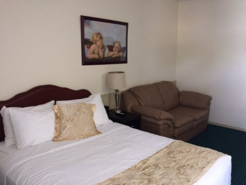 Bonnyville Alberta Motel/Hotel Suite For Rent