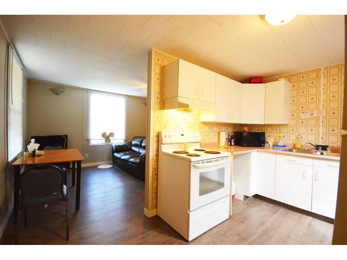 LaCorey Duplex for rent, click for more details...