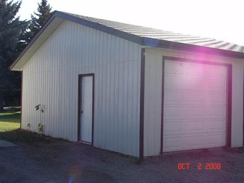 Red Deer Alberta Garage Space for rent, click for details...