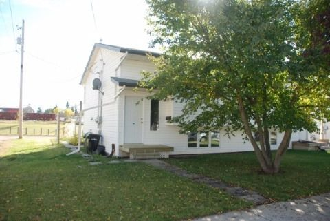 Camrose 3 bedroom Duplex