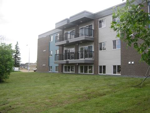 Slave Lake 3 bedroom Apartment For Rent