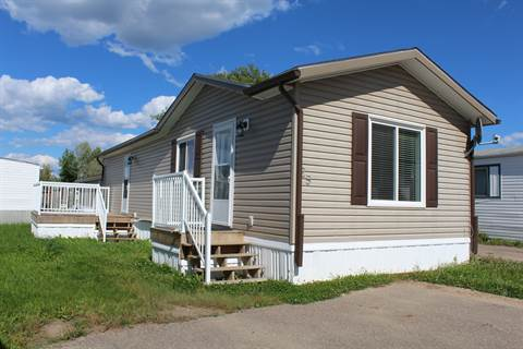 Cold Lake Alberta Mobile Home/Lot for rent, click for details...