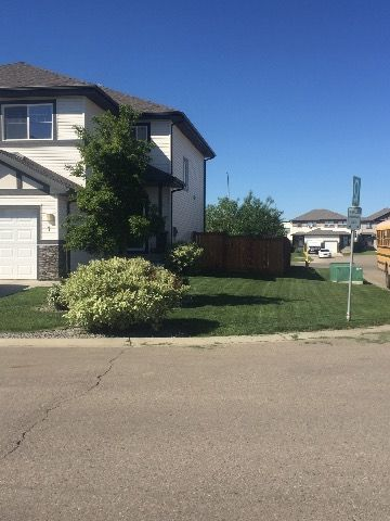 Spruce Grove Duplex for rent, click for more details...