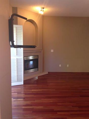 Calgary Alberta Townhouse for rent, click for details...