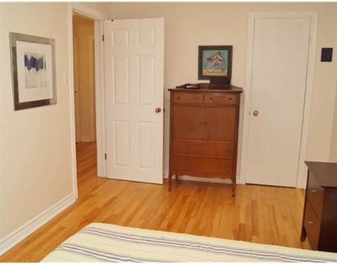 Ottawa Townhouse. Upstairs bedroom