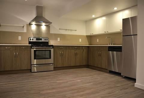 Edmonton South West 2 bedroom Basement Suite