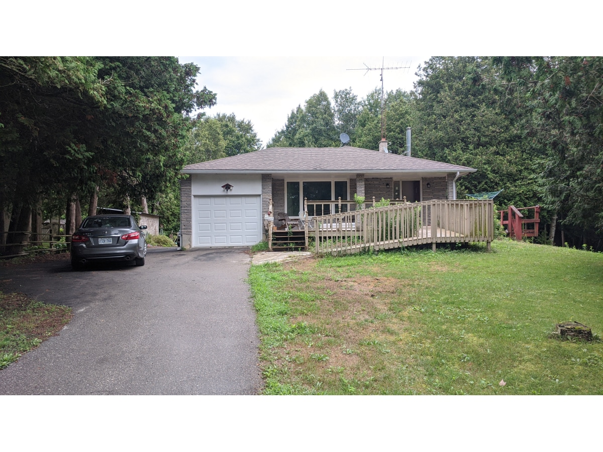 Newtonville Apartment for rent, click for more details...