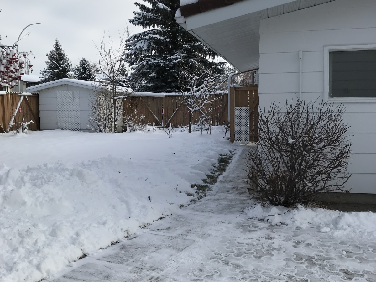 Innisfail House for rent, click for more details...
