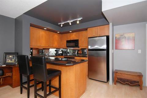 One bedroom toronto central apartment for rent ad id 1 - One bedroom apartments in toronto ...