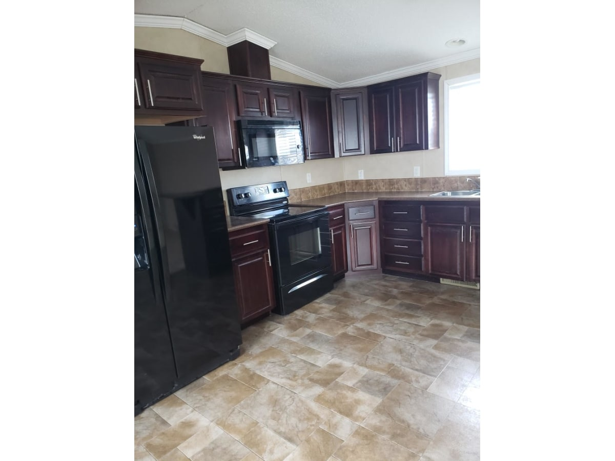Grande Prairie Mobile Home/Lot for rent, click for more details...