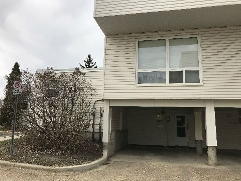Edmonton South East 3 bedroom Townhouse