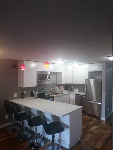 Calgary Alberta Room for rent, click for details...