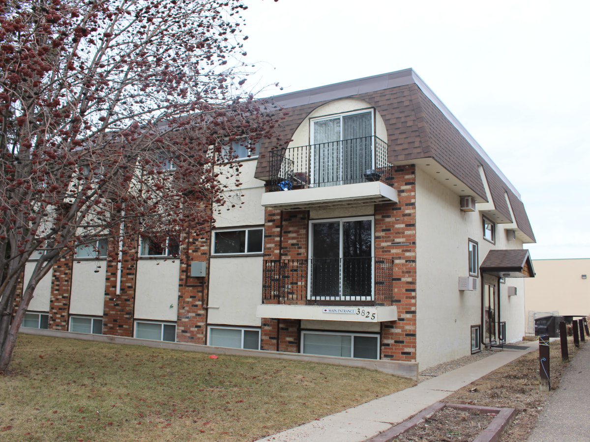Saskatoon Condominium for rent, click for more details...