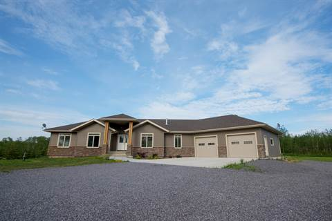 Bonnyville Alberta House for rent, click for details...