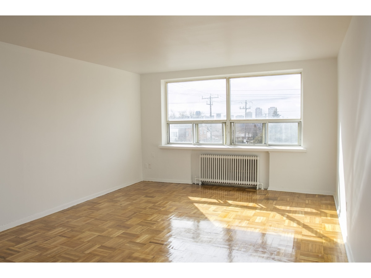 East York Ontario Apartment For Rent