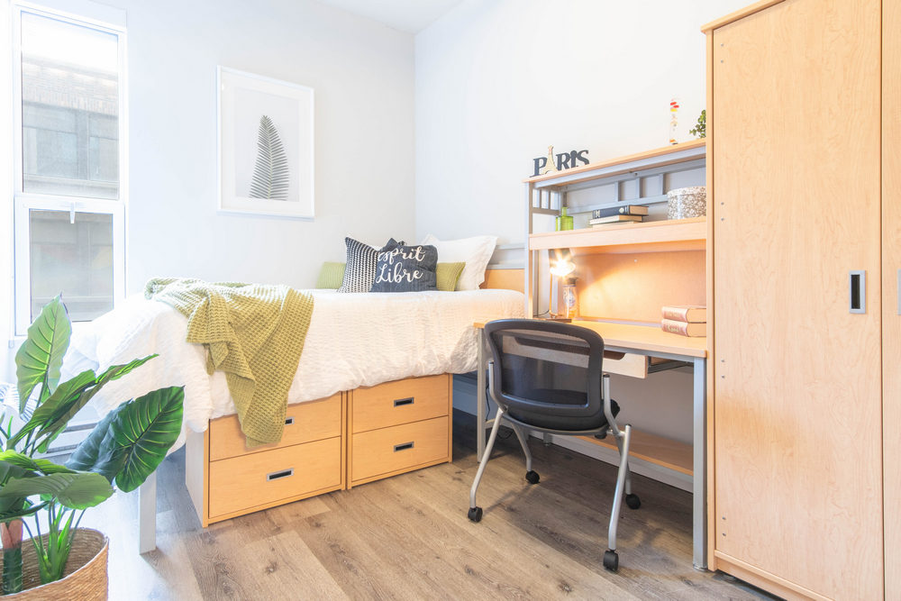 Montreal Room for rent, click for more details...