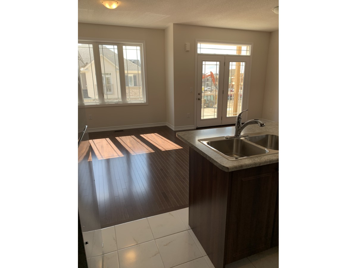 Caledon Townhouse for rent, click for more details...