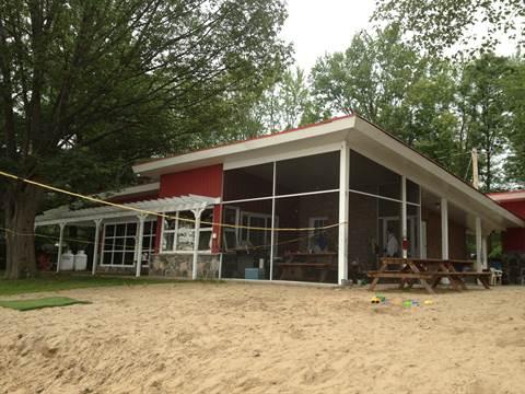 Davidson Cottage/Resort Property for rent, click for more details...