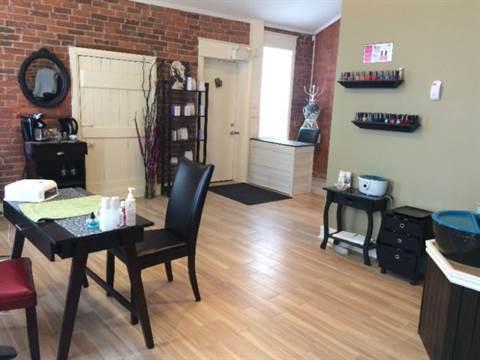 Kemptville Commercial Property for rent, click for more details...