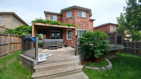 Barrie Ontario House for rent, click for details...