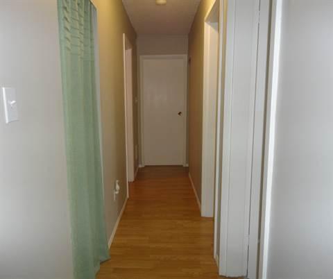 Edmonton South West 3 bedroom Apartment
